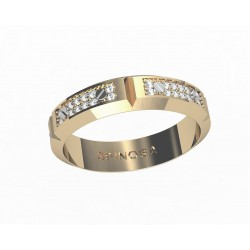 Обручальные кольца из белого золота в форме цепочки, с бриллиантами.