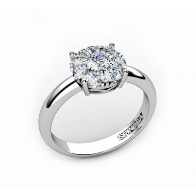 18K gold engagement ring with diamonds
