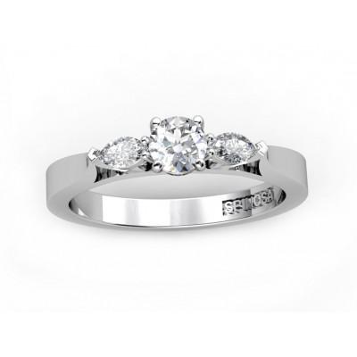 """Кольцо """"трилогия"""" из золота 18К с одним круглым бриллиантом и двумя бриллиантами """"маркиз"""""""