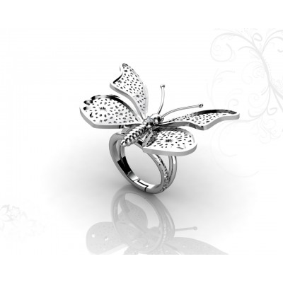 18k Gold Ring with Butterfly Design