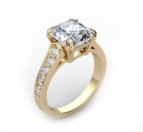 """Золотое кольцо для помолвки с бриллиантом огранки """"радиант""""."""