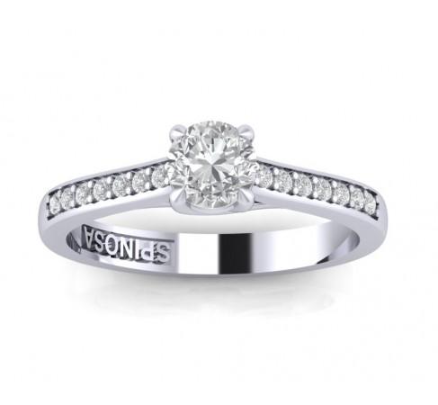 Кольцо для помолвки из белого золота с бриллиантами.