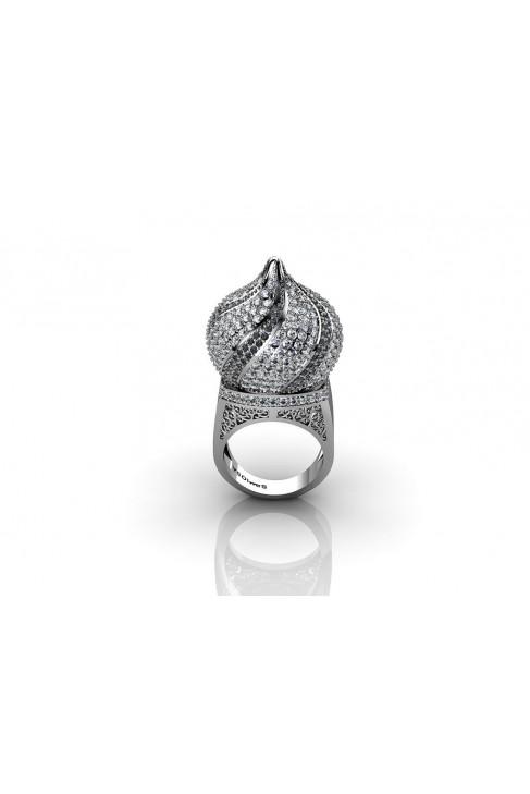 18K Kremlin-Dome Inspired White Gold Ring