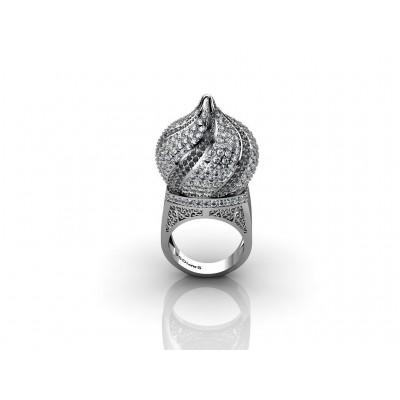 Кольцо из белого золота 18 карат с белыми и черными бриллиантами