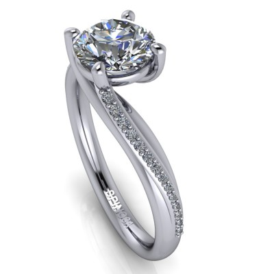 Brilliant Engagement Ring with Cross Claws