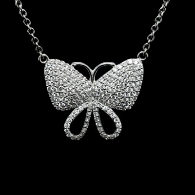Colgante Mariposa Con Diamantes