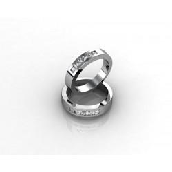 Обручальное кольцо из золота 18К с бриллиантами