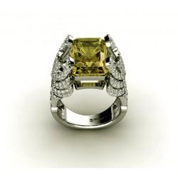 Золотое кольцо в авангардном стиле с бриллиантами и лимонным кварцем