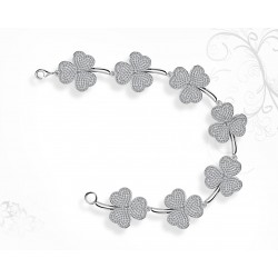 18K White Gold Clover Shaped Bracelet