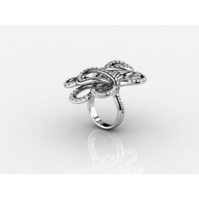 Коктейльное кольцо из белого золота с бриллиантами