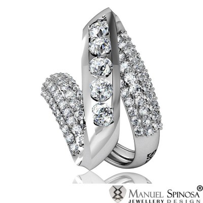 contemporary ring with 5 diamants and 84 brilliants