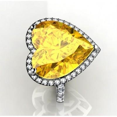 Кольцо с лимонными кварцем огранки в форме сердца с брилл