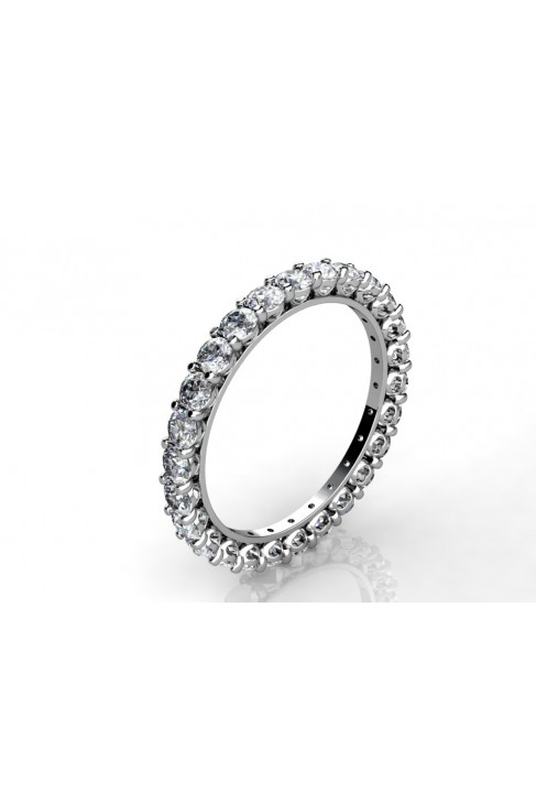alianza completa de diamantes