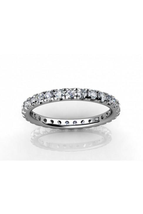 Обручальное кольцо полностью в бриллиантах