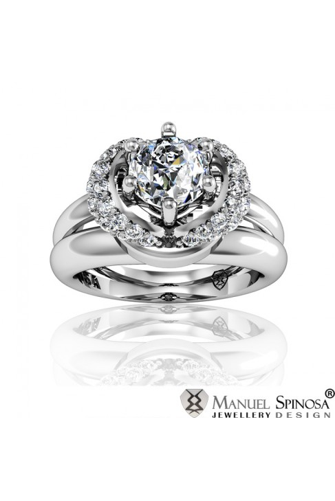 Engagement Ring with Diamond and 36 Brilliants