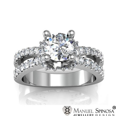 engagement ring with diamond and 44 brilliants