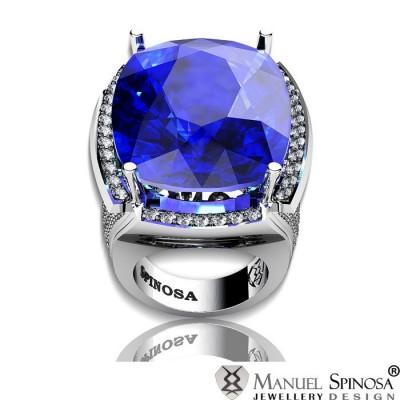 Кольцо из белого золота с голубым топазом и бриллиантами