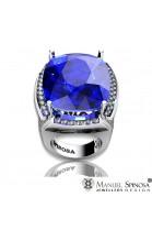 anillo de oro blanco con topacio azul y diamantes