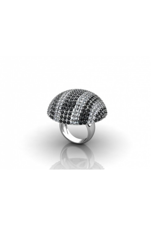 impressive ring with black & white diamonds