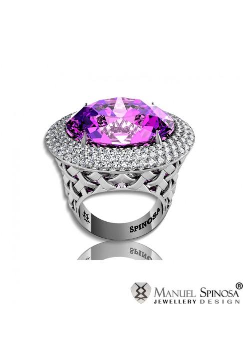 anillo de oro blanco con amatista central y diamantes