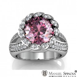 Magnificent 18k Ring with Rose Quartz and Brilliants