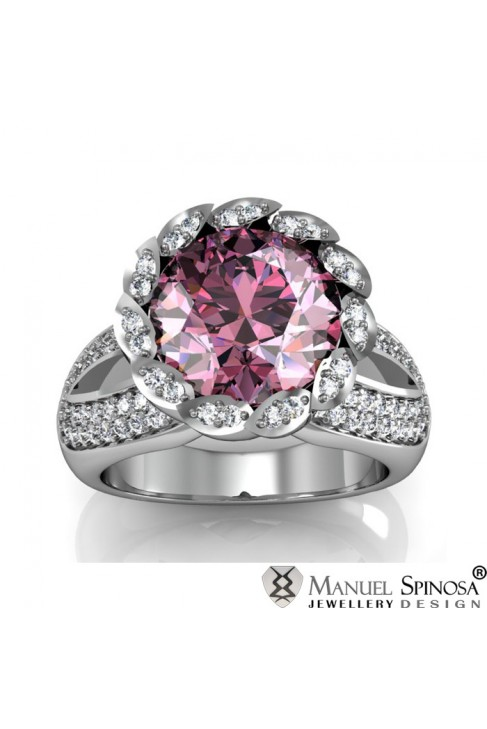 Кольцо из белого золота с розовым кварцем из Франции с бриллиантами