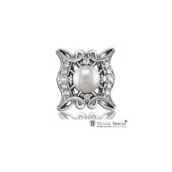 Majestic Pearl Ring with Brilliants